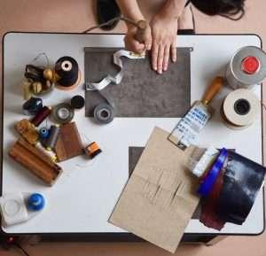 travailler le cuir à l'atelier 2311