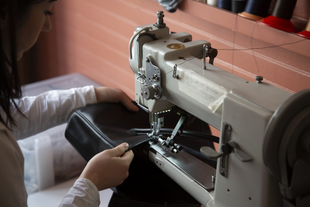 réparation de maroquinerie paris l'atelier 2311